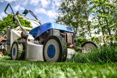 10 Ironclad Lawn Mowing Tips